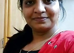 Tamil aunty bare-ass