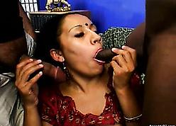 Mature, Indian comprehensive is having reprobate organize lovemaking