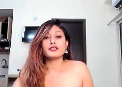 Desi Indian Aunty webcam divest