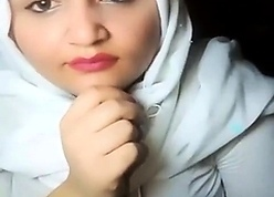 Stunning thersitical hijab livestream
